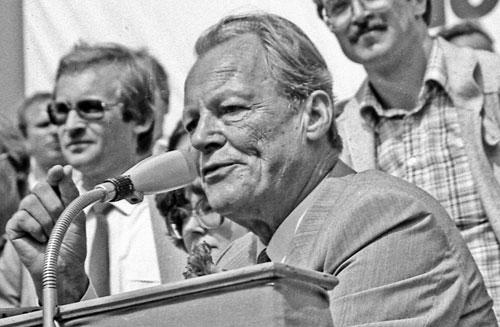 Willy Brandt leitete eine Annäherung an die östlichen Nachbarn ein.