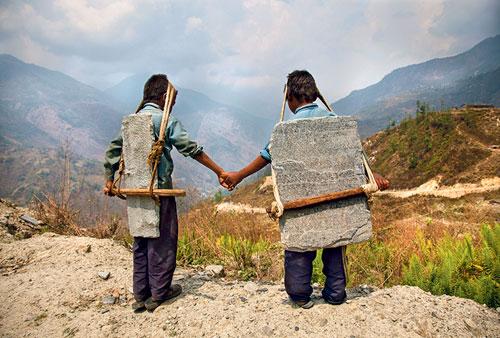Moderne Sklaverei: Lisa Kristine fotografierte Kinder im Himalaya.