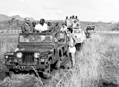 Josef Vágner unterwegs mit seinem Team in Uganda
