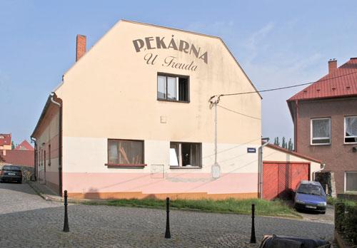 Der berühmte Sohn der Stadt ist auch an Hausfassaden präsent.