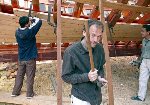 Konstrukteur Daniel Rosecký bei der Arbeit in der ägyptischen Werft