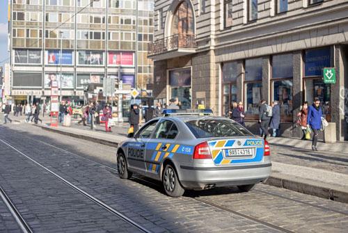 Die Neustrukturierung der Polizei wurde derweil auf August verschoben.