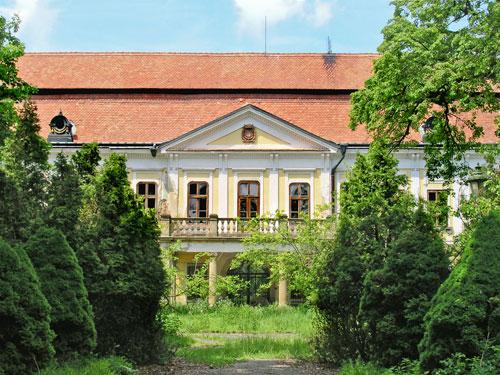 Auf Schloss Zdislawitz wurde die Autorin geboren.