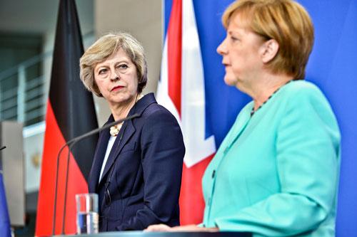 Ihre erste Auslandsreise als Premierministerin führte Theresa May am 20. Juli nach Berlin.