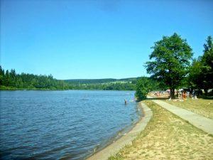 Velké Dářko nahe der Kleinstadt Žďár nad Sázavou ist der größte See im Kreis Vysočina.