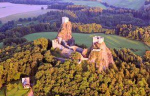 Burg Trosky lädt zum teuflischen Wochenende.
