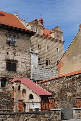 Schloss und Burg machen Horšovský Týn sehenswert.