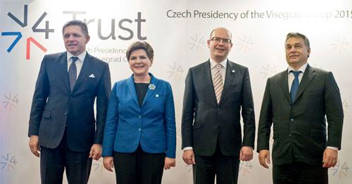 Die Regierungschefs der Visegrád-Gruppe – Fico, Szydło, Sobotka und Orbán – bei einem Treffen in Prag