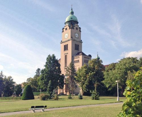 Kirche des Heiligen Wenzel im Park der Psychiatrischen Klinik in Bohnice