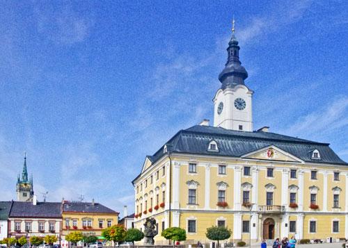 In Polička (hier das Rathaus) war der Komponist Bohuslav Martinů zuhause.
