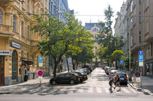 Die Anna-Letenská-Straße liegt direkt hinter der damaligen Heimspielstätte ihrer Namensgeberin.