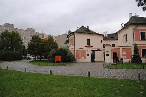 Die Galerie Chodovská Tvrz zeigt eine Ausstellung über die Geschichte der Südstadt.