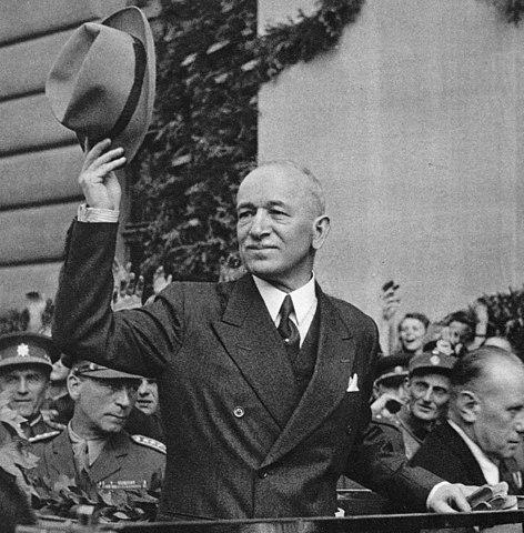 Präsident Beneš kehrt am 16. Mai 1945 nach Prag zurück.    | © Stzeman, CC BY-SA 3.0