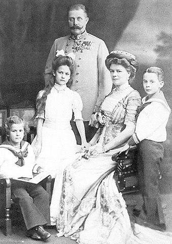 Franz Ferdinand mit seiner Familie (um 1908)