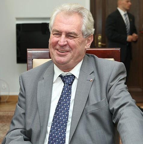 Präsident Zeman befürwortet eine Minderheitsregierung, die von Sozialdemokraten und Kommunisten toleriert wird.  | © Senat Rzeczypospolitej Polskiej - Michał Józefaciuk, CC BY-SA 3.0 PL (Zeman im polnischen Senat, Mai 2013)