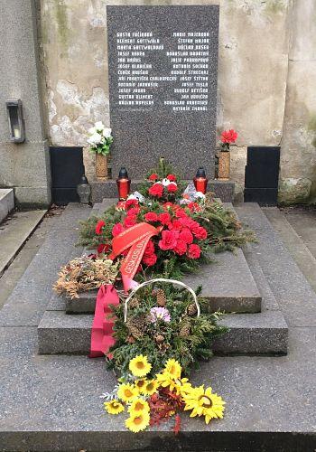 Das Grab von Klement Gottwald und seiner Genossen am Vortag seines Gedenktages (13. März 2018)