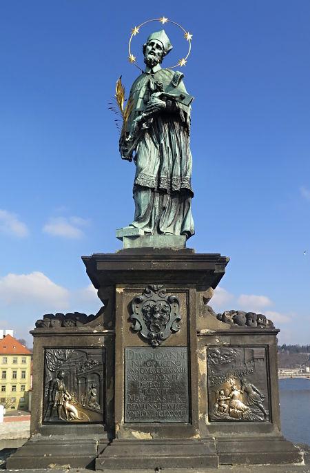 Statue von Jan Nepomuk auf der Karlsbrücke