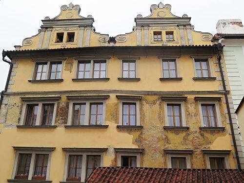 Südfassade des Hotels Zu den drei Straußen