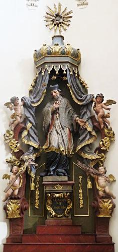 Nepomuk-Statue in der Josefskirche