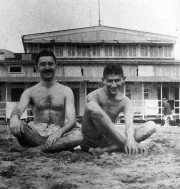 Franz Kafka mit dem Brünner Schriftsteller Ernst Weiß im Sommer 1914 an der Ostseeküste
